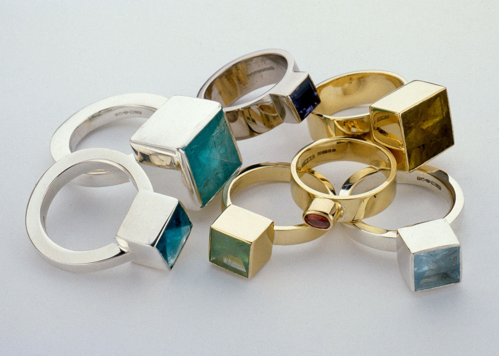 mirrorcut-stone-ring