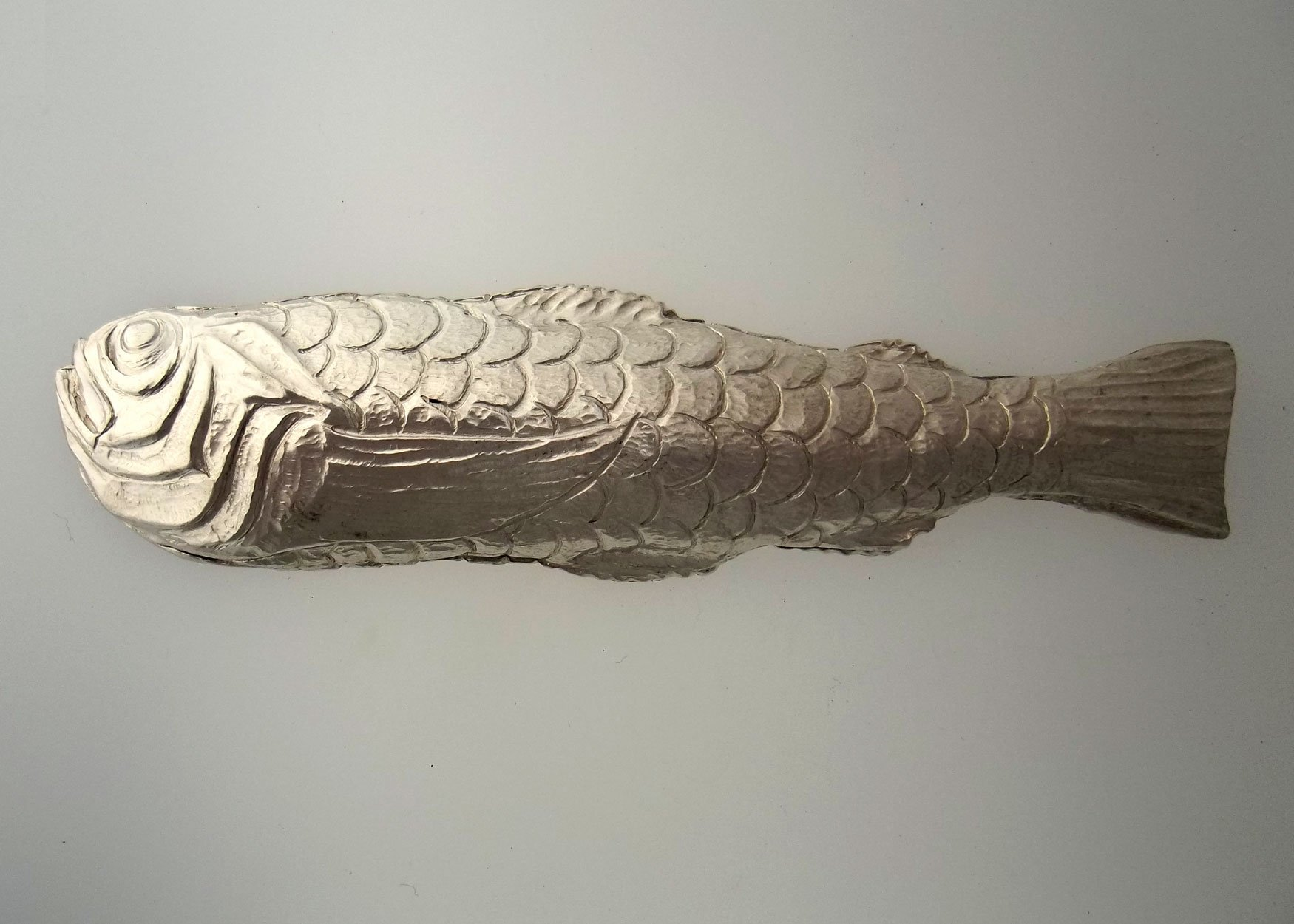 Silver Fish Handle