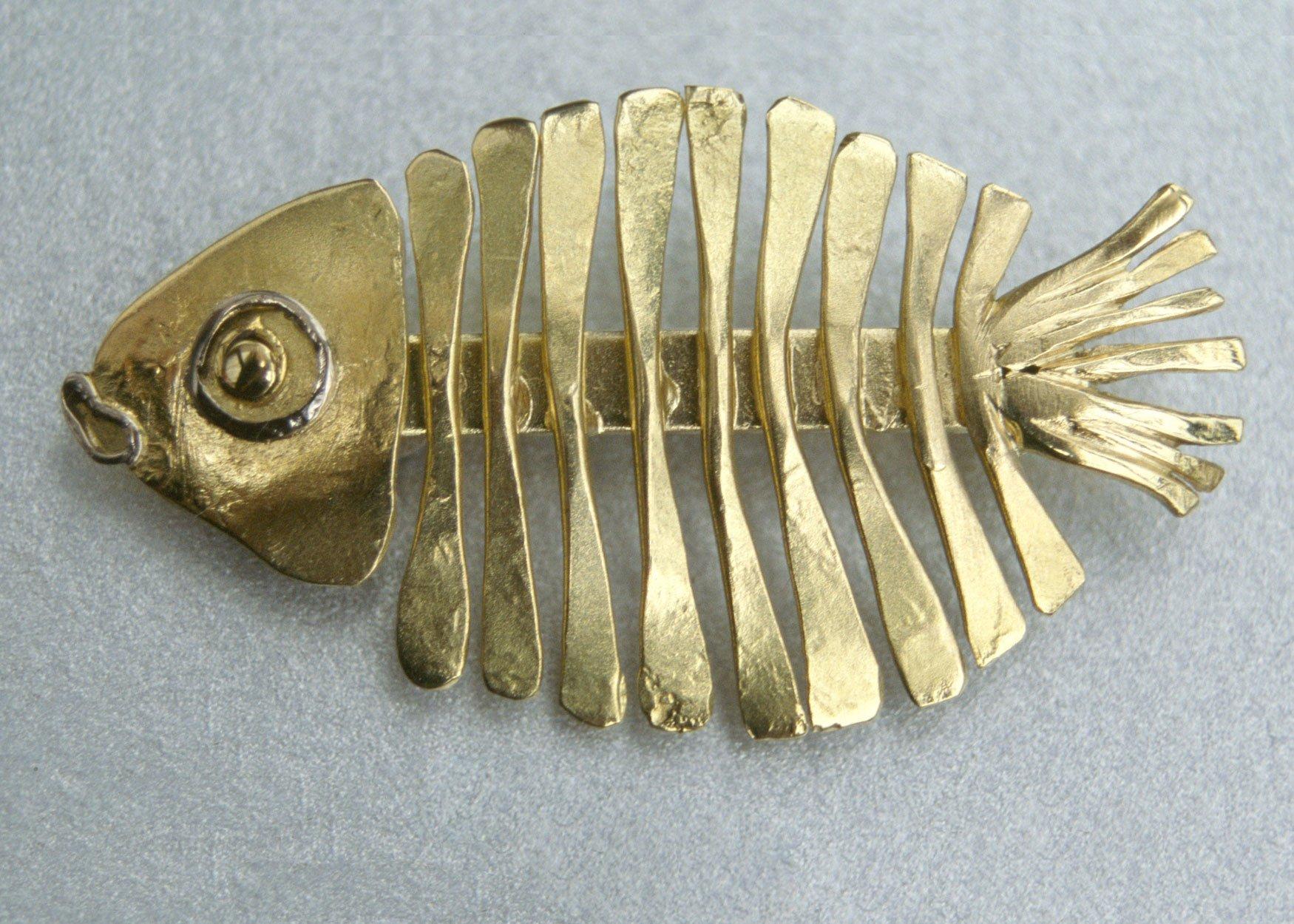 fish-brooch-gold