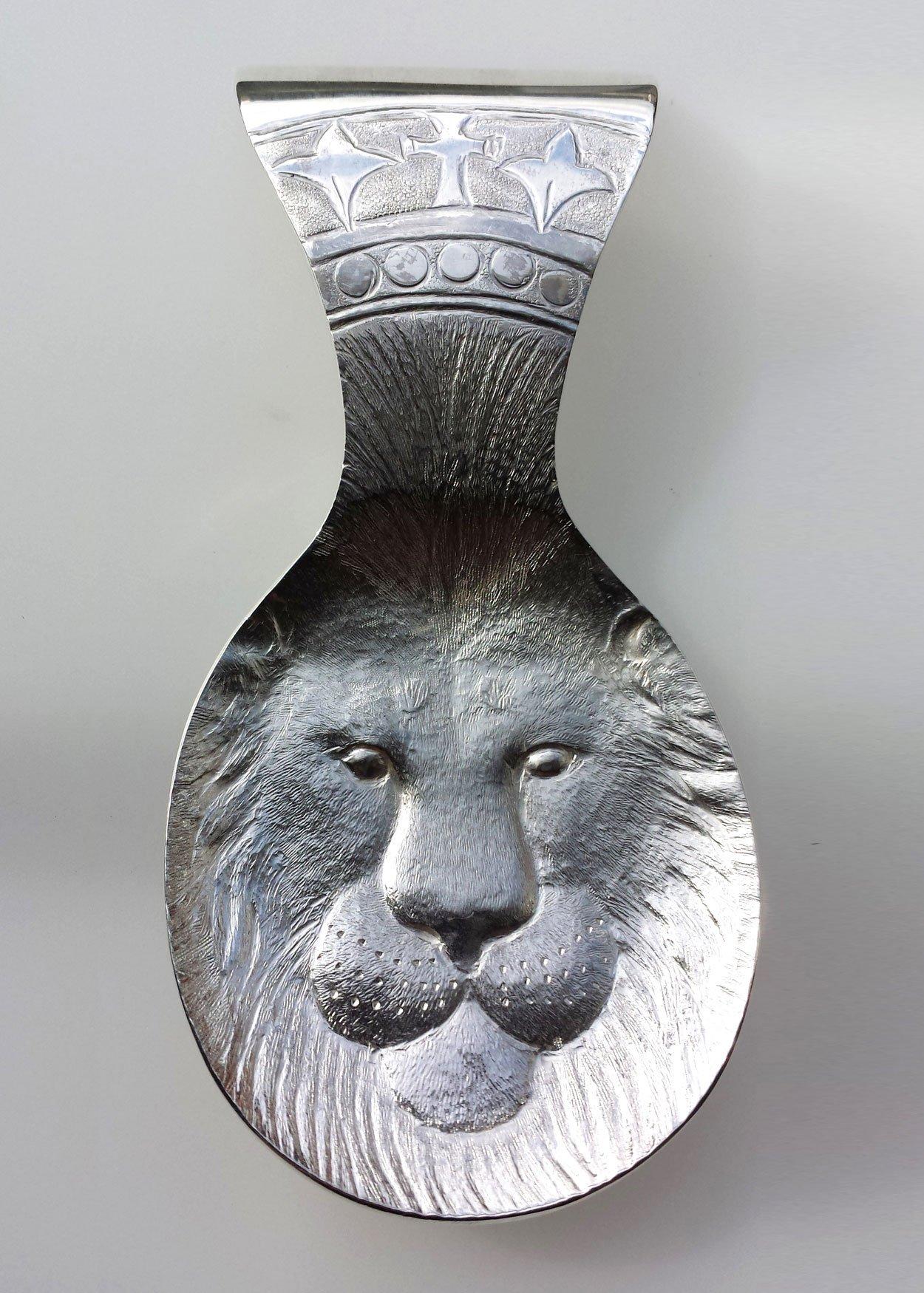 lion-caddy-spoon